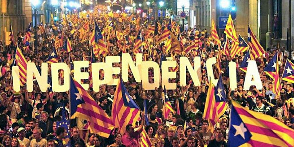 Wydanie specjalne: Katalonia rzuca rękawicę Madrytowi – polityczne Gran DerbiEuropa